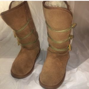 Women's EMU Size 8 Suede Boots Wool Lining